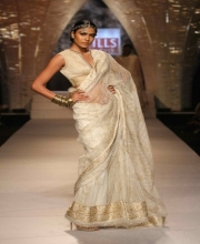 Tarun Tahiliani's Collection